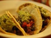 English: Tacos de carne (beef tacos) from Los Latinos Latin American restaurant (28 Mitchell Street) in Maidstone, a suburb in western Melbourne, Victoria, Australia.
