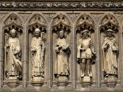 English: Detail from the Vaughan Porch http://www.cathedral.leicester.anglican.org/vaughan.html of Leicester Cathedral. The seven statues are (left to right) of St Guthlac, St Hugh of Lincoln, Robert Grosseteste, John Wycliffe, Henry Hastings, William Chi